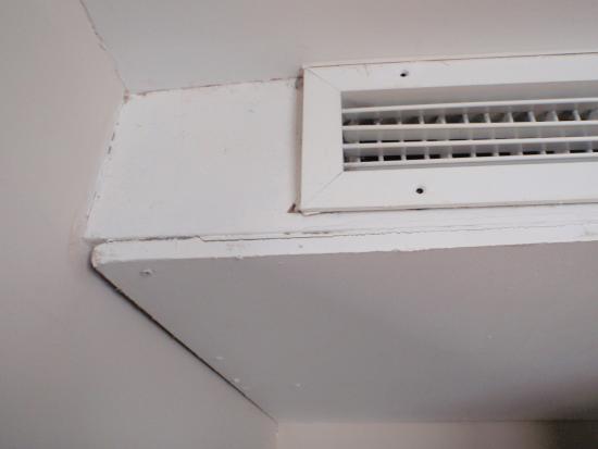 Dormitorio muebles modernos salidas de aire acondicionado for Salida aire acondicionado