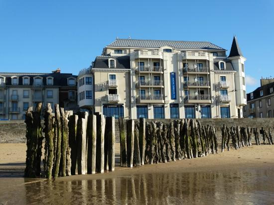 View From The Beach Picture Of Hotel Le Nouveau Monde Saint Malo Tripadvisor