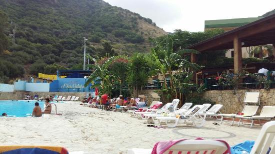 Villaggio baia calav foto di baia calav gioiosa marea for Piscina hydra villabate prezzi