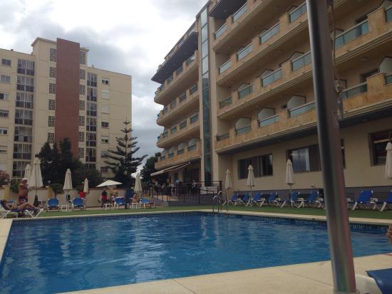 En la piscina billede af bq andalucia beach hotel torre for Piscina torre del mar