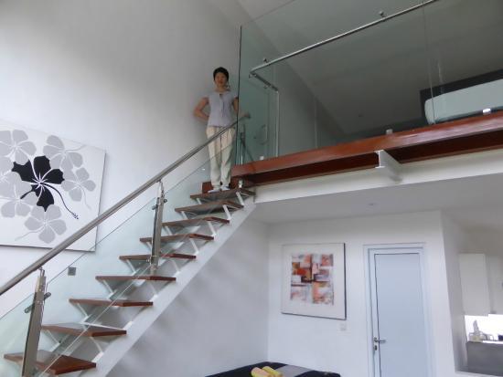 Bali Yarra Villas: The stairs ...