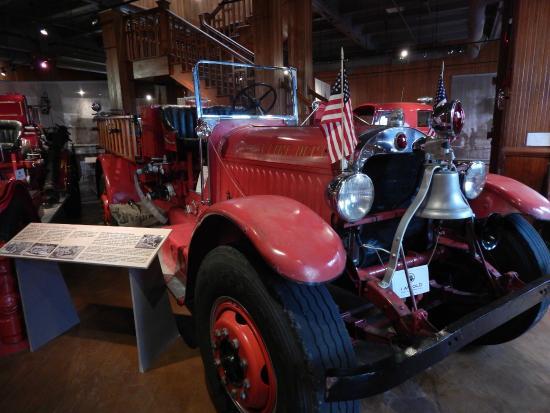 Aurora Regional Fire Museum: Fire Engine