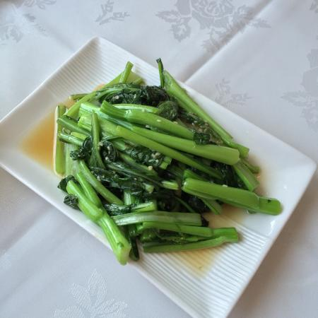 Tang's Chinese Restaurant: Beef belly and choi sum are fantastic