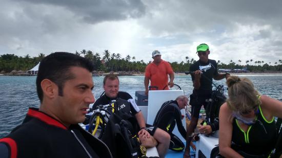 Bayahibe, Dominikanska Republiken: Sulla barca davanti al Viva Dominicus Beach