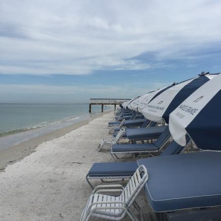 Naples Grande Beach Resort: Lovely Beach
