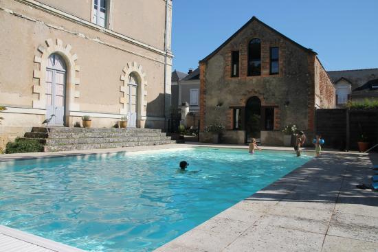 La piscine photo de le clos des 3 rois thouarce for Piscine clos d or grenoble