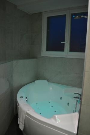 Baignoirespa Picture Of Splendid Hotel Spa Nice Tripadvisor