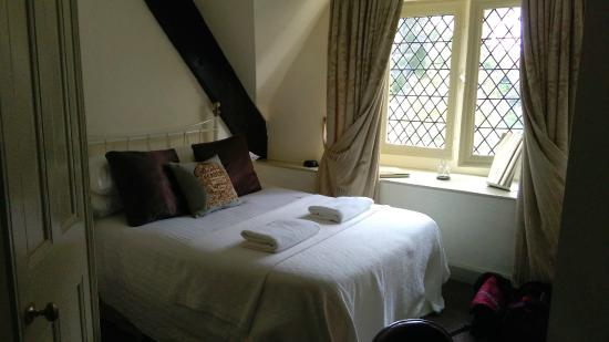 Brympton, UK: View of the room
