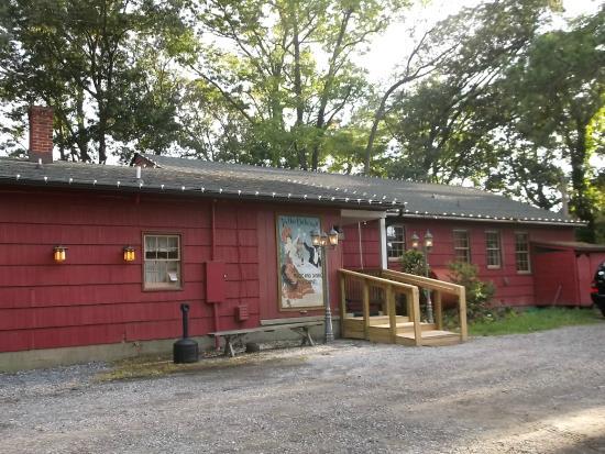 Millville, Делавер: The Parlor