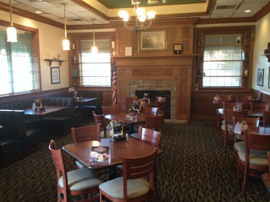 Perkins Restaurant & Bakery, Naples - 3585 Pine Rdg Rd