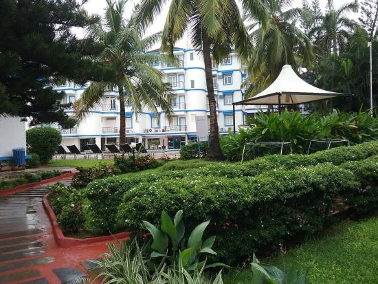 Inside the Royal Palms Resort - the views & layout