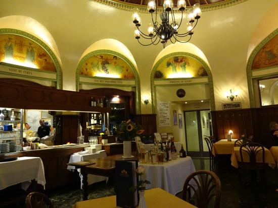Brasserie historique La Coupole 1912: 雰囲気のいいレストラン