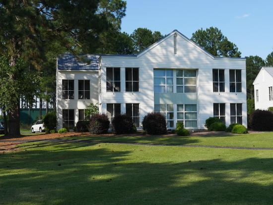 Lake Blackshear Resort and Golf Club: Lodge rooms