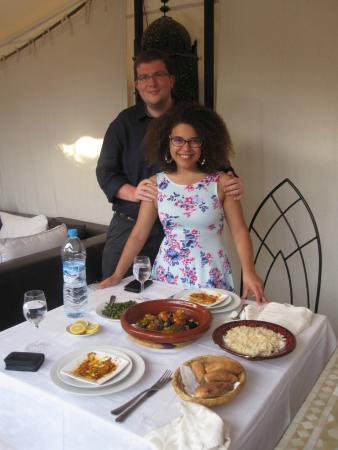 Riad Shemsi: Lovely dinner on the terrace