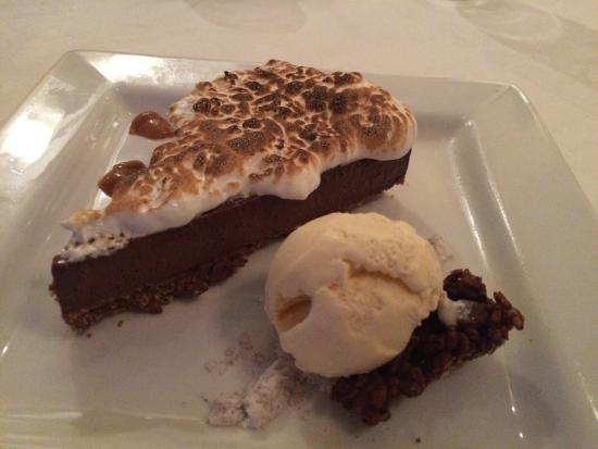 Coffee s'mores pie - Picture of Liv's Oyster Bar & Restaurant, Ol...