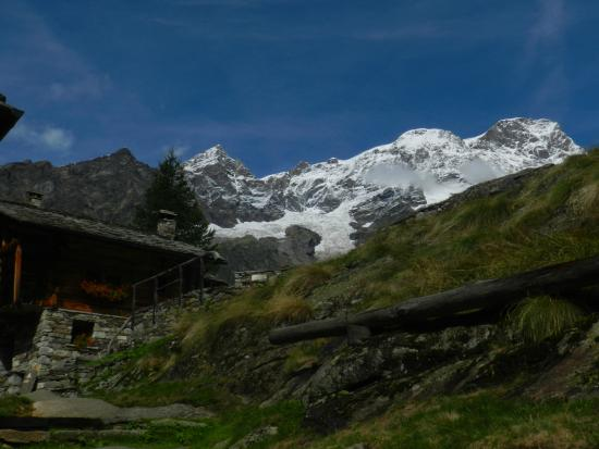 panorama verso il Monte Rosa