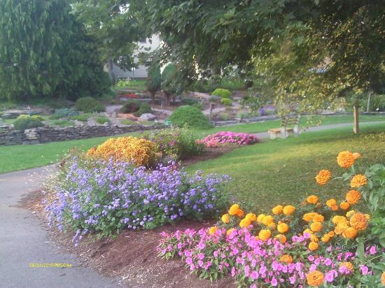 كومفرت إن بينجهامتون: Cutler Gardens very close by