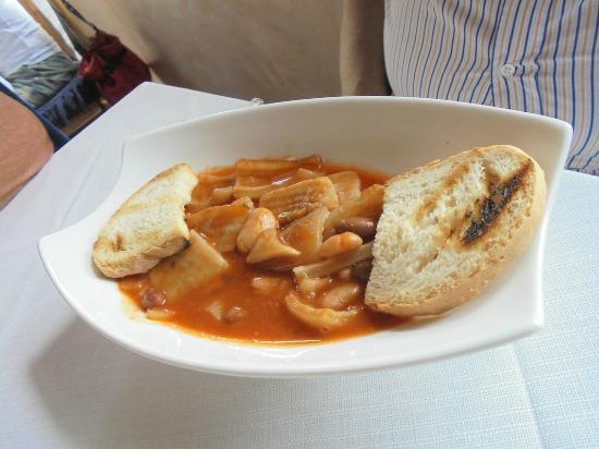 Genga, Italia: Ristorante Da Maria:  feijão com pele de porco