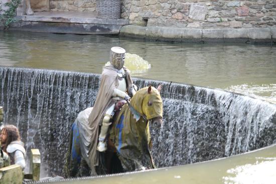 Les chevaliers de la table ronde photo de le puy du fou - Expose sur les chevaliers de la table ronde ...