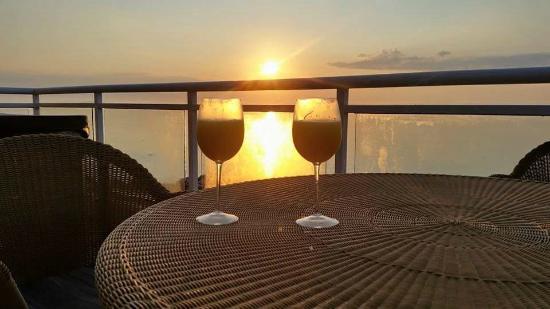 Samoset Resort On The Ocean: Our sunrise toast