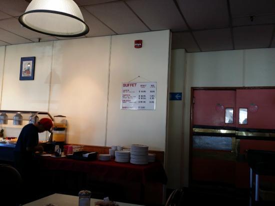 Red Apple Family Restaurant: Buffet
