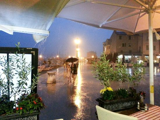 La Riva: In the middle of the storm
