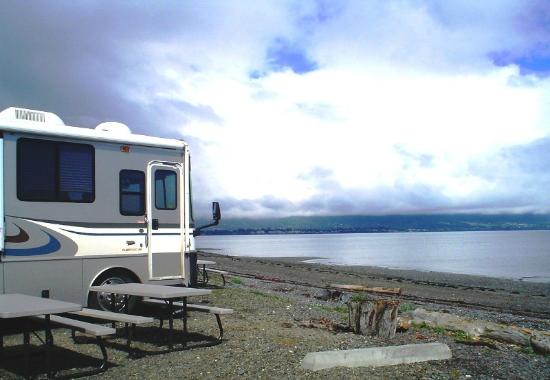 Heritage RV Park : Spacious beachfront sites