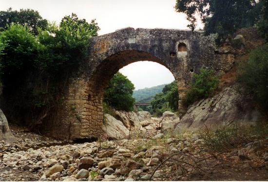 Ponte Romano sul Torrente Nicoletta
