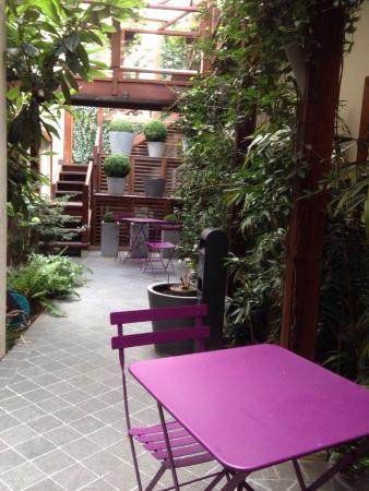 Hotel Elysees Flaubert: Patio extérieur