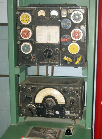 the t1154 info page in addition army radio sales co british radios t1154 wwii lancaster furthermore signals collection airforce furthermore equipment together with transmitter type t1154 sn 86102. on t1154 html