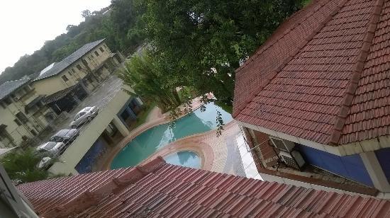 Biji's Hill Retreat: view outside room