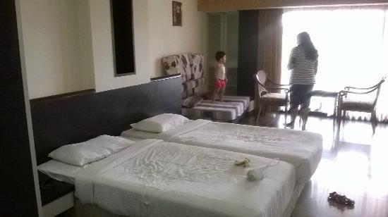 Biji's Hill Retreat: room