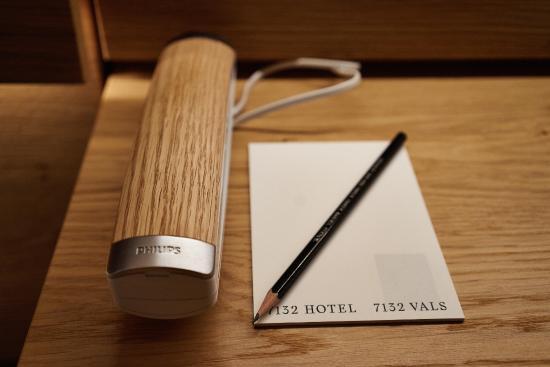 7132 Hotel : Telefon ausgerichtet auf Innenraum