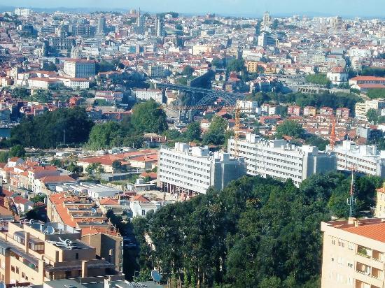 Holiday Inn Porto Gaia: Vista desde el hotel, fechada norte