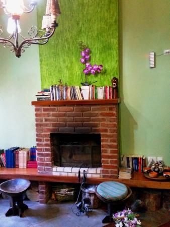 Pousada Gardenia Guest House: Delícia de lareira ...