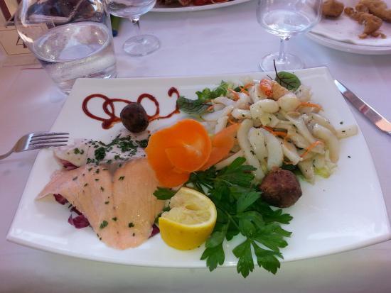 Misticanza di mare picture of ristorante bagno marino archi santa cesarea terme tripadvisor - Bagno marino archi pizzeria ...