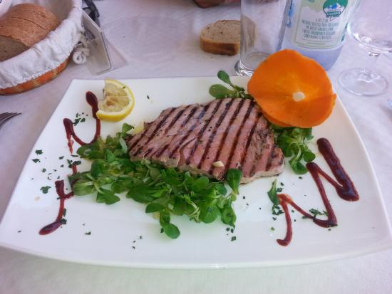 Scottata di tonno picture of ristorante bagno marino archi santa cesarea terme tripadvisor - Bagno marino archi pizzeria ...