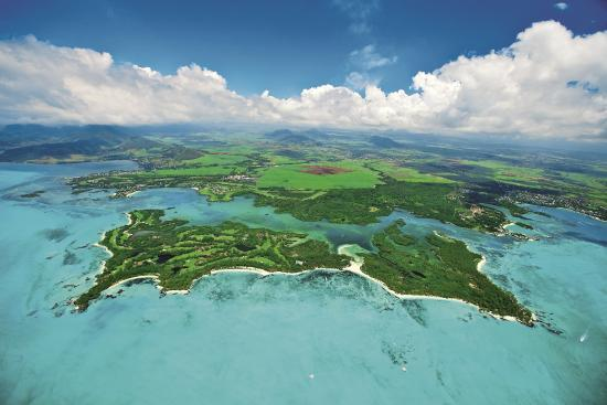 Trou d'eau Douce: Aerial View of the Ile aux Cerfs