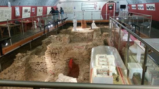 Welwyn Roman Baths: The bath