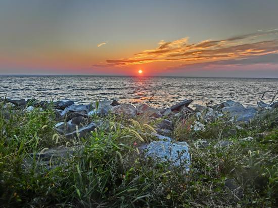 Sunset On Tilghman Island Picture Of Knapp S Narrows Marina Inn Tilghman Tripadvisor