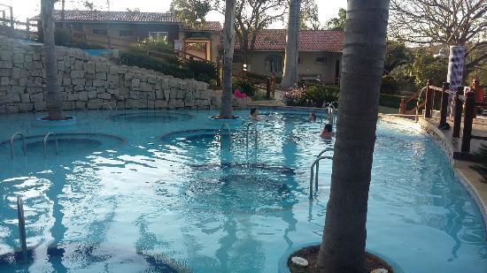 Hotel Fazenda Canto da Siriema: Piscina com ofurôs