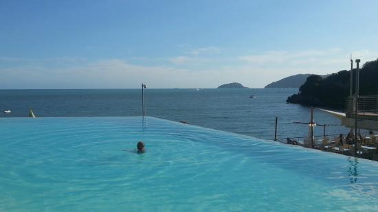 Piscina - Picture of La Baia Blu, Lerici - TripAdvisor