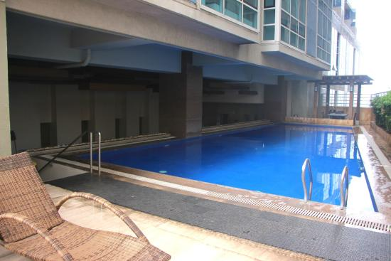 Swimming Pool Picture Of Crown Regency Hotel Towers Cebu City Tripadvisor