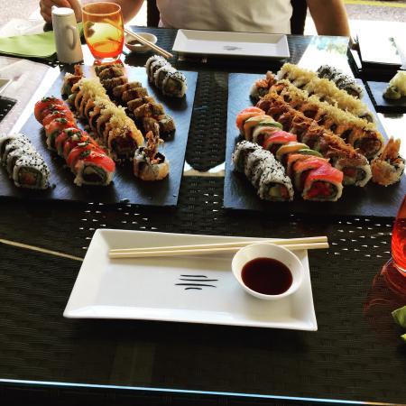 Makoto Sushi: Mittagessen zu dritt.