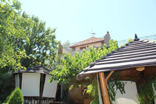 Mini-hotel Solnechnyi Zamok: Внутренний дворик