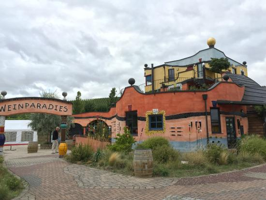 Weingut Hirn: Great looking place, but closed on Sunday