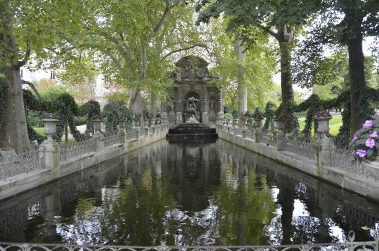 ปารีส, ฝรั่งเศส: Fontana