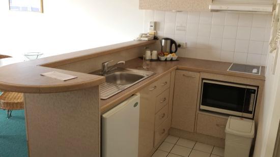 Il Centro Apartment Suites : Kitchen