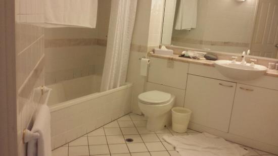 Il Centro Apartment Suites : Bathroom