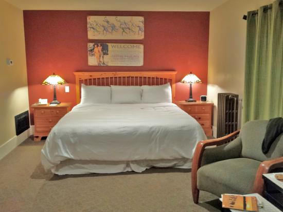 Hotel McCall: King Room